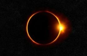 诺奖经济学家在日食时发现的诡异现象至今还困扰着物理学家们